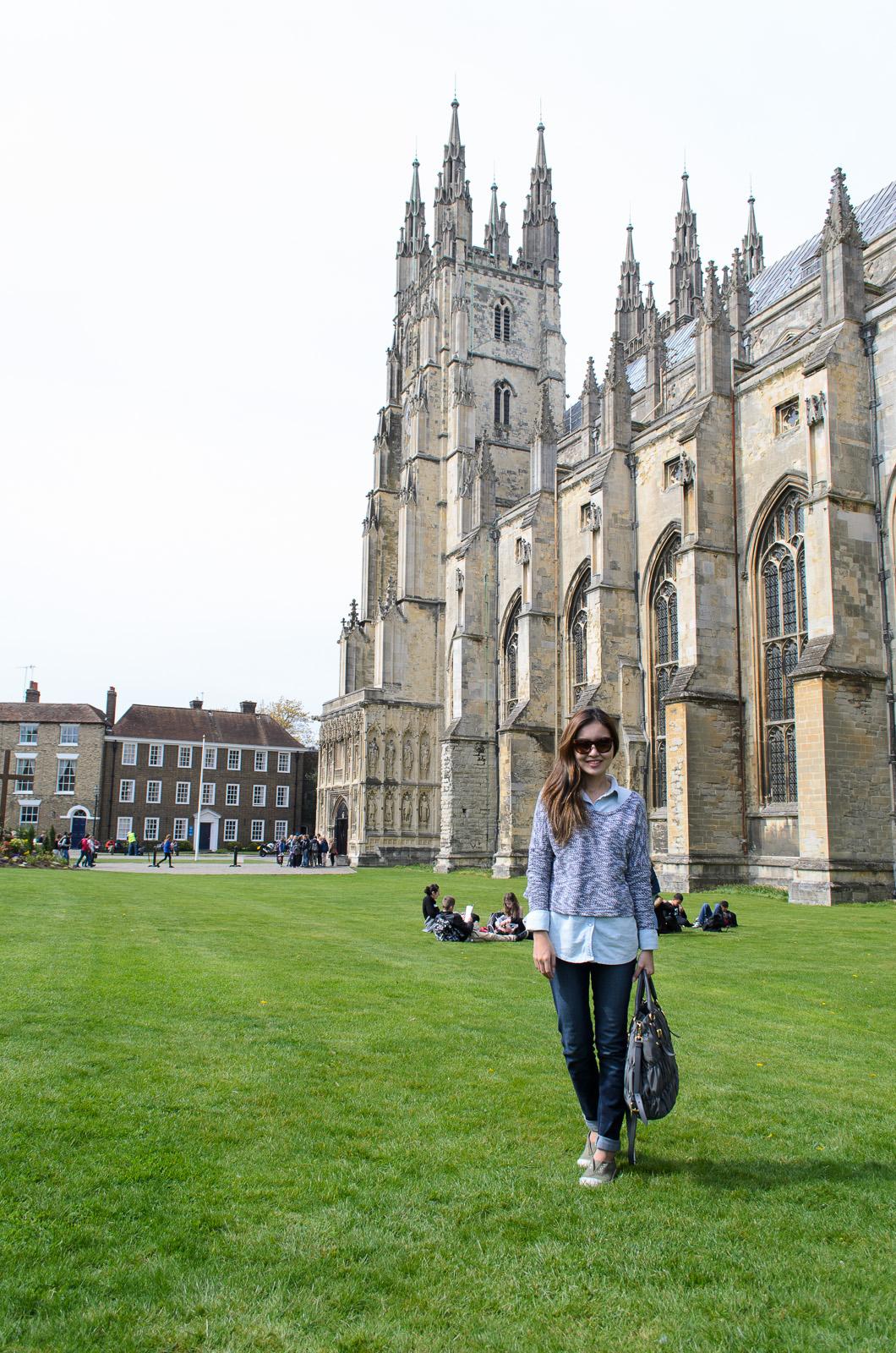 angela-nepomuceno-blogger