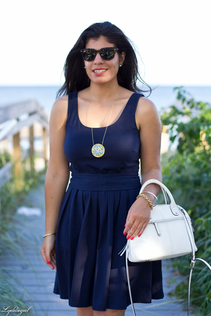 Navy Dress, White Bag-8.jpg