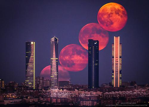 madrid sunset moon atardecer cuatro spain super luna full fullmoon agosto moonrise area torres 2014 ctba llena bussines alineados supermoon superluna