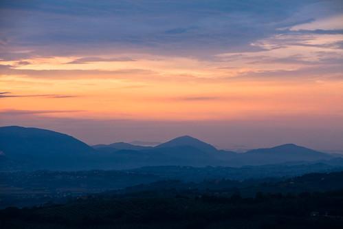 montagne canon nuvole blu rosa cielo tramonti umbria martingabrielle