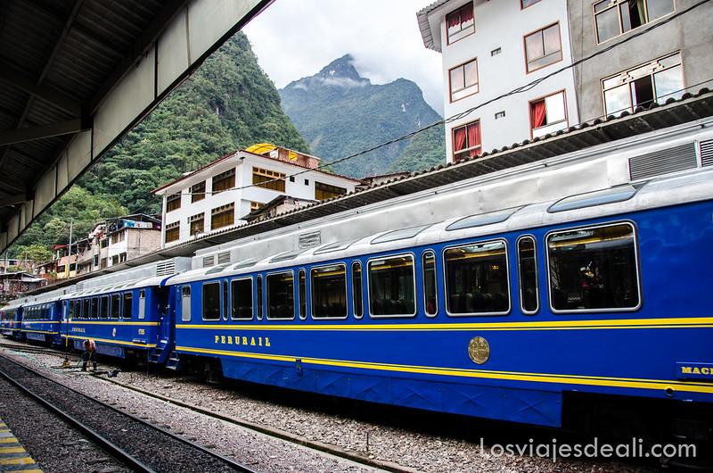 Camino a Machu Picchu, el tren de Aguas calientes