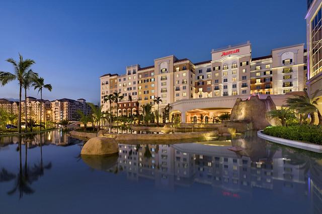 Marriott Hotel Manila Facade