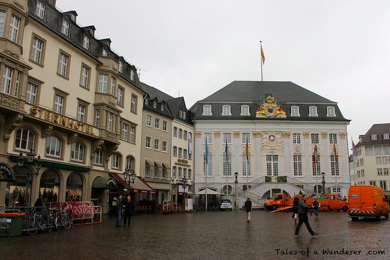 BONN - Marktplatz - Altes Rathaus
