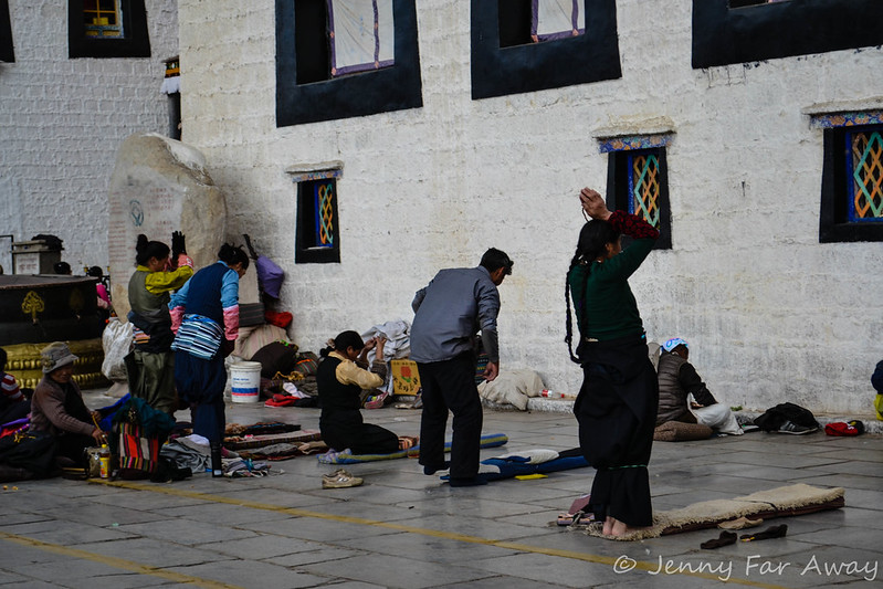 Pilgrims prostrating in front of the Jokhang.