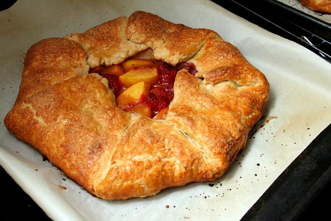 peach raspberry galette 10