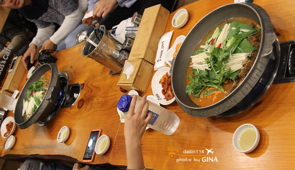 釜山美食記》馬鈴薯排骨湯(이바돔 감자탕 센텀시티점)靠近海雲台附近美食 Centum City站 @Gina Lin