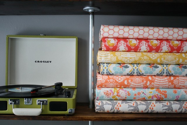 GIVEAWAY!! -- $50 Gift Certificate to Bobbie Lou's Fabric Factory!
