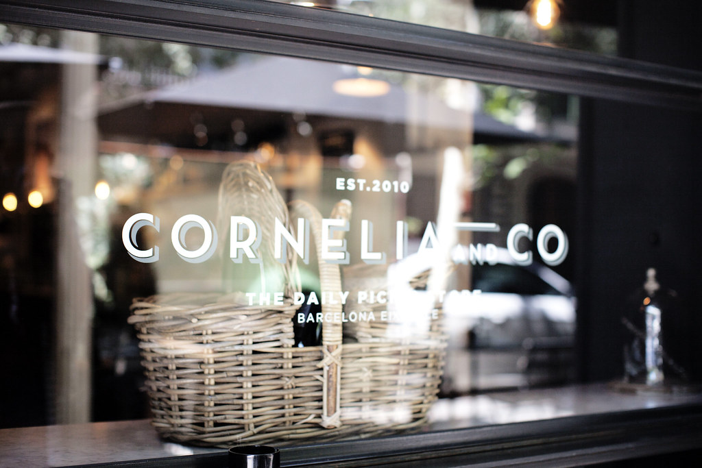 postcards from Barcelona, Cornelia picnic store