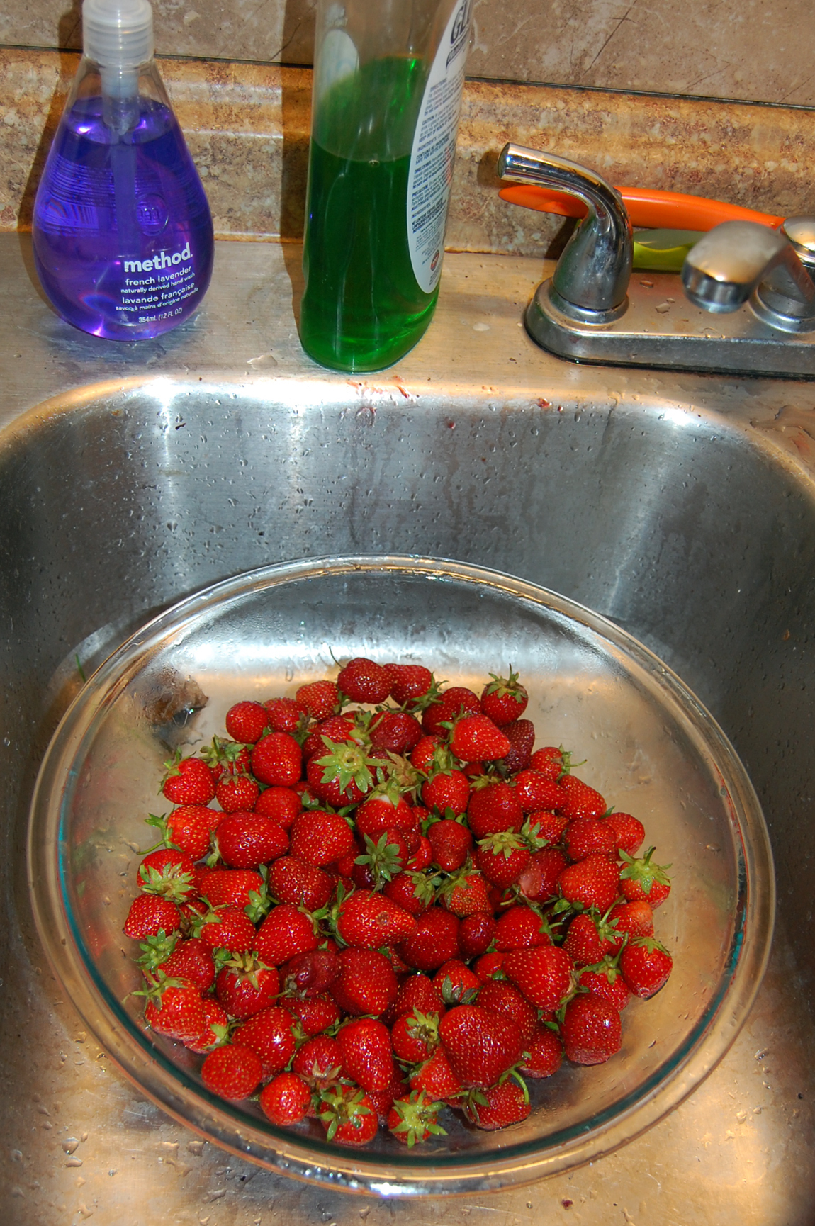 SinkStrawberries