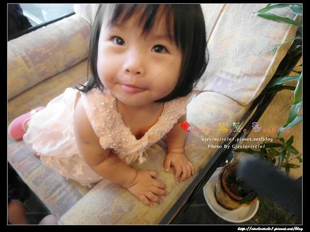 【小小妹妹愛漂亮。就像夏天的冰淇淋已讓我徹底融化】