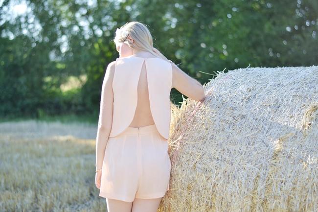 Romantic nude (5)