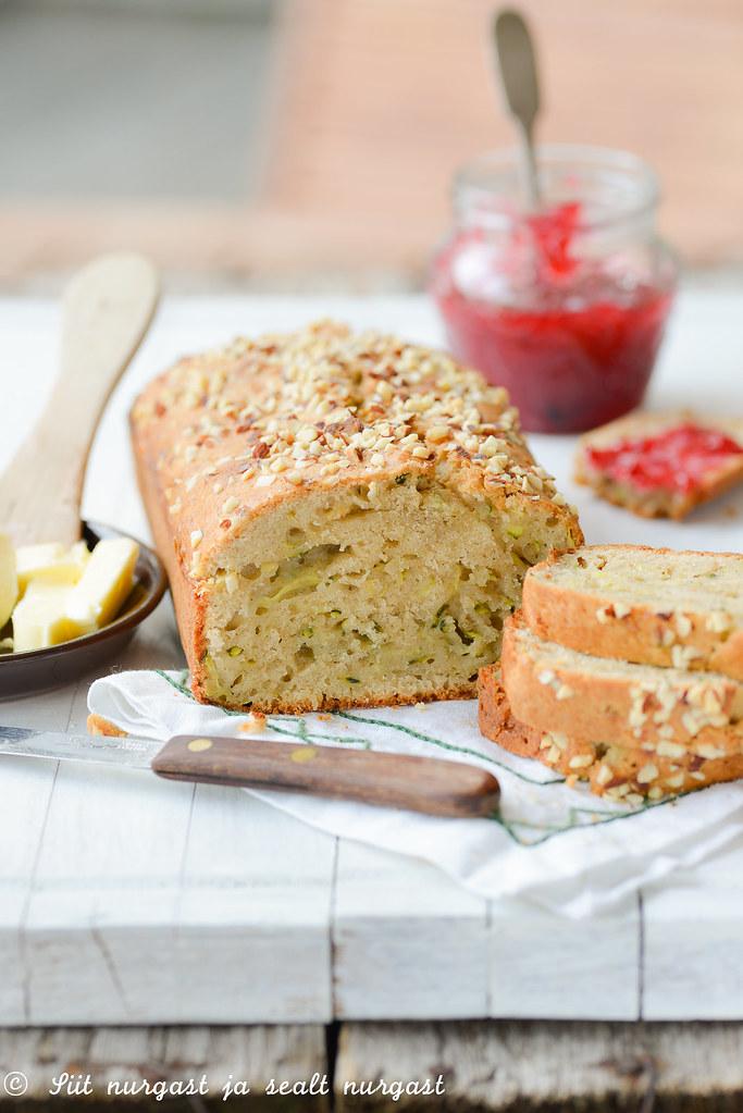 suvikõrvitsakeeks/zucchini bread