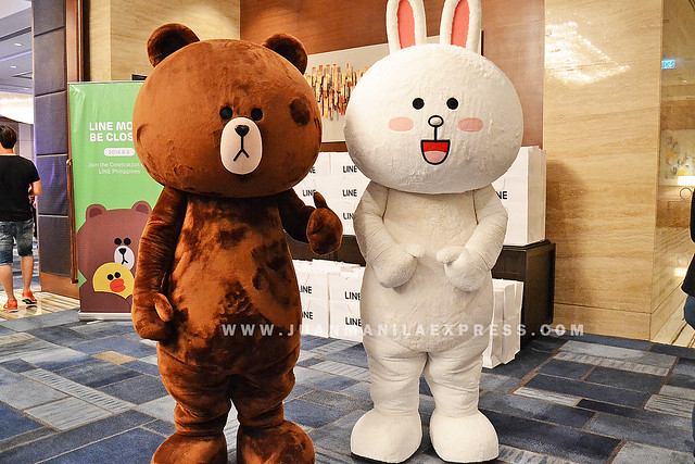 LINE MORE, BE CLOSER. Brown and Connie welcome guests at Makati Shangri-La Hotel.