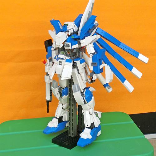LEGO Hi-Nu Gundam