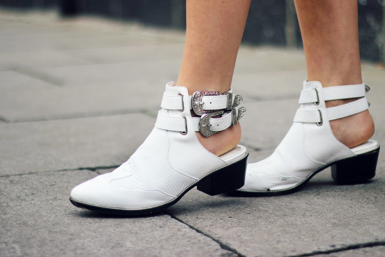 Senso white buckle boots 2