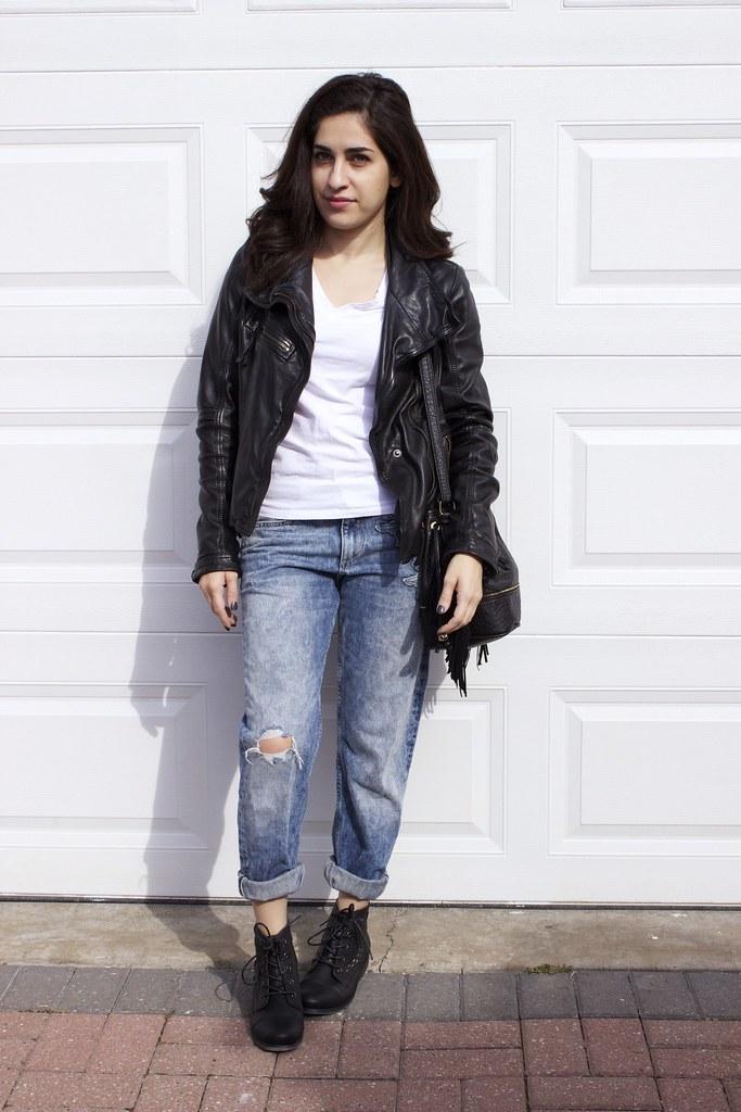 boyfriend jeans+combatboots