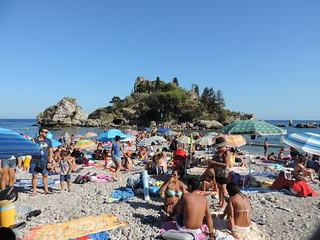 Bild av Isola Bella Strand med småsten. summer italy beach lorenzo sicily isolabella taormina catania sicilia blangiardi castelmora