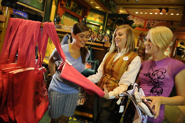 disneyinstitute-Customer Service 'Top 10': Our Best Blogs To Get Your Customer Experience Primed For the Holiday Rush