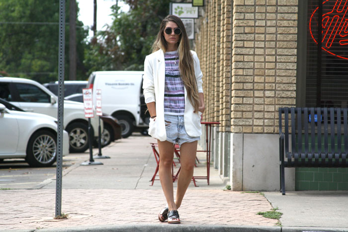 Fringe of the Cro | Blogger Outfit Inspiration in White Blazer, Asos Sweater, and One Teaspoon Shorts, Phillip Lim Peep Toe Loafers