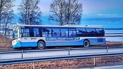 """Tirsk. Tampereen persut: """"Ei ratikkaa - mennään nyssellä"""". #rengasrikko #doublewin #persut #nysseeitule #vaalislogan"""