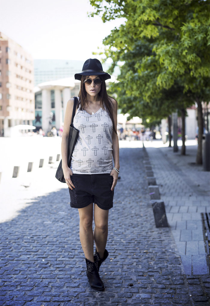 street style barbara crespo acroix eleven paris tshirt dress fashion blogger outfit blog de moda