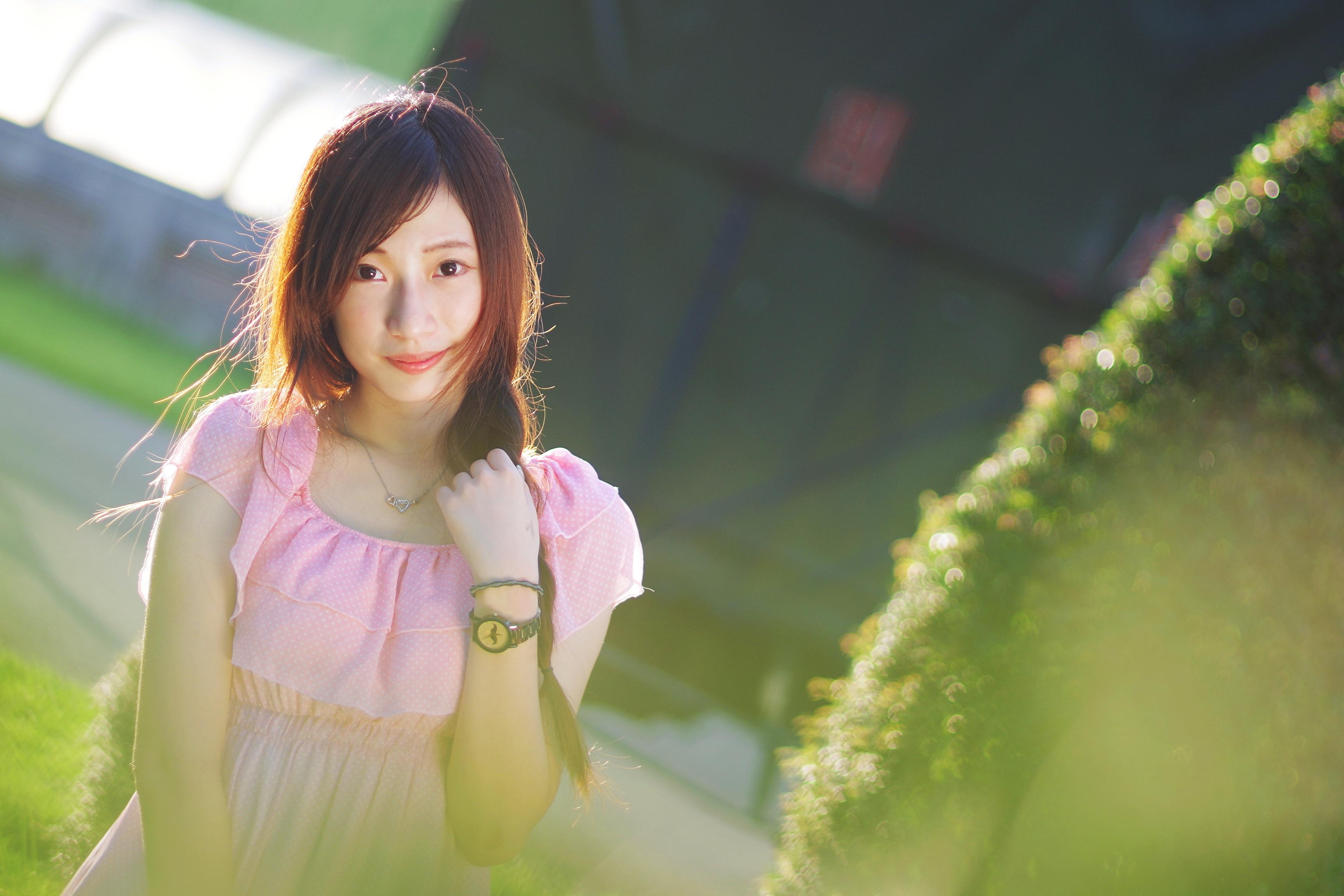 夏日小逆光 - 小玥