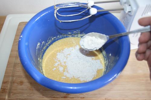 28 - Mehl hinzufügen / Add flour
