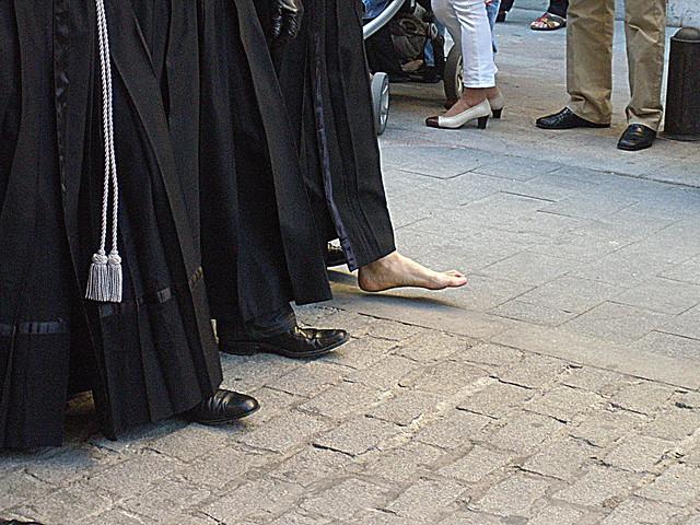 Piés. / Feet.
