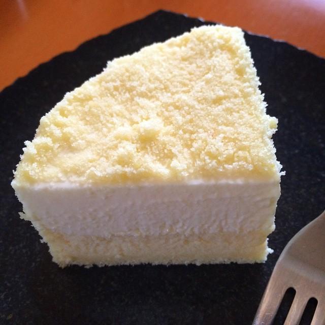 Fromage Double @ LeTAO Yummy!  ルタオのドゥーブルフロマージュ 美味しい!