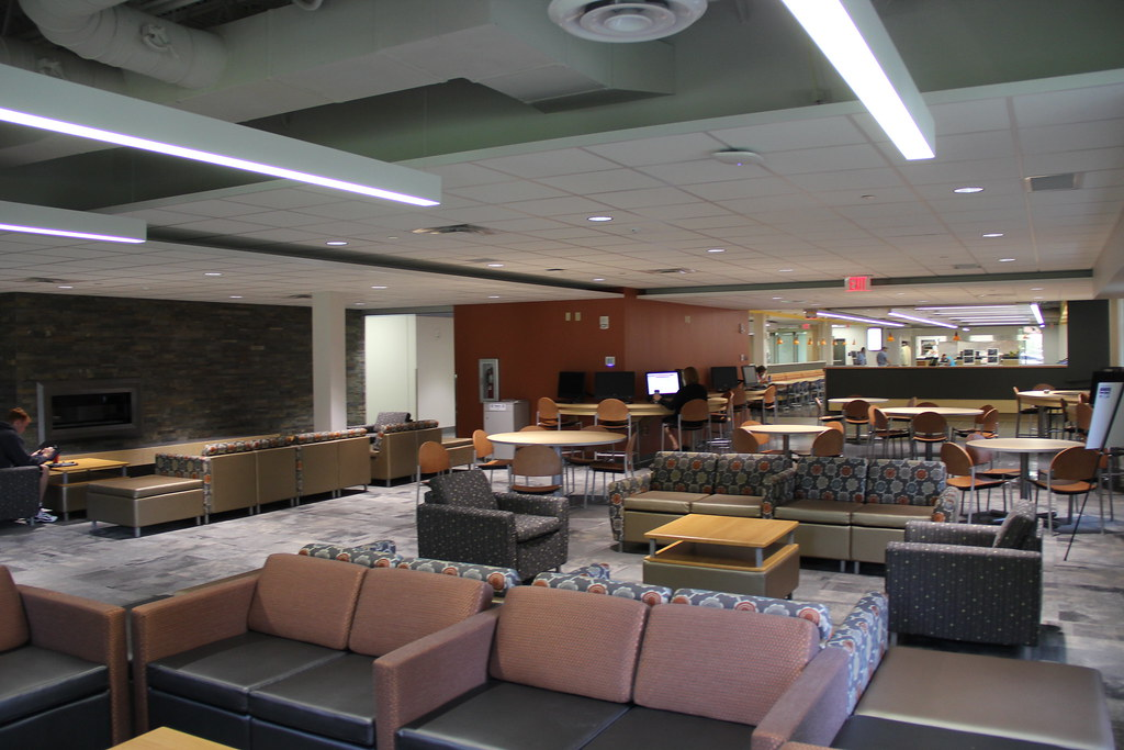 Commons, Loretta's Kitchen and Student Lounge Construction and Opening (Sept. 2014)