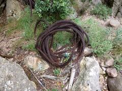 Rouleau de câble métallique en amont de la brèche du Carciara