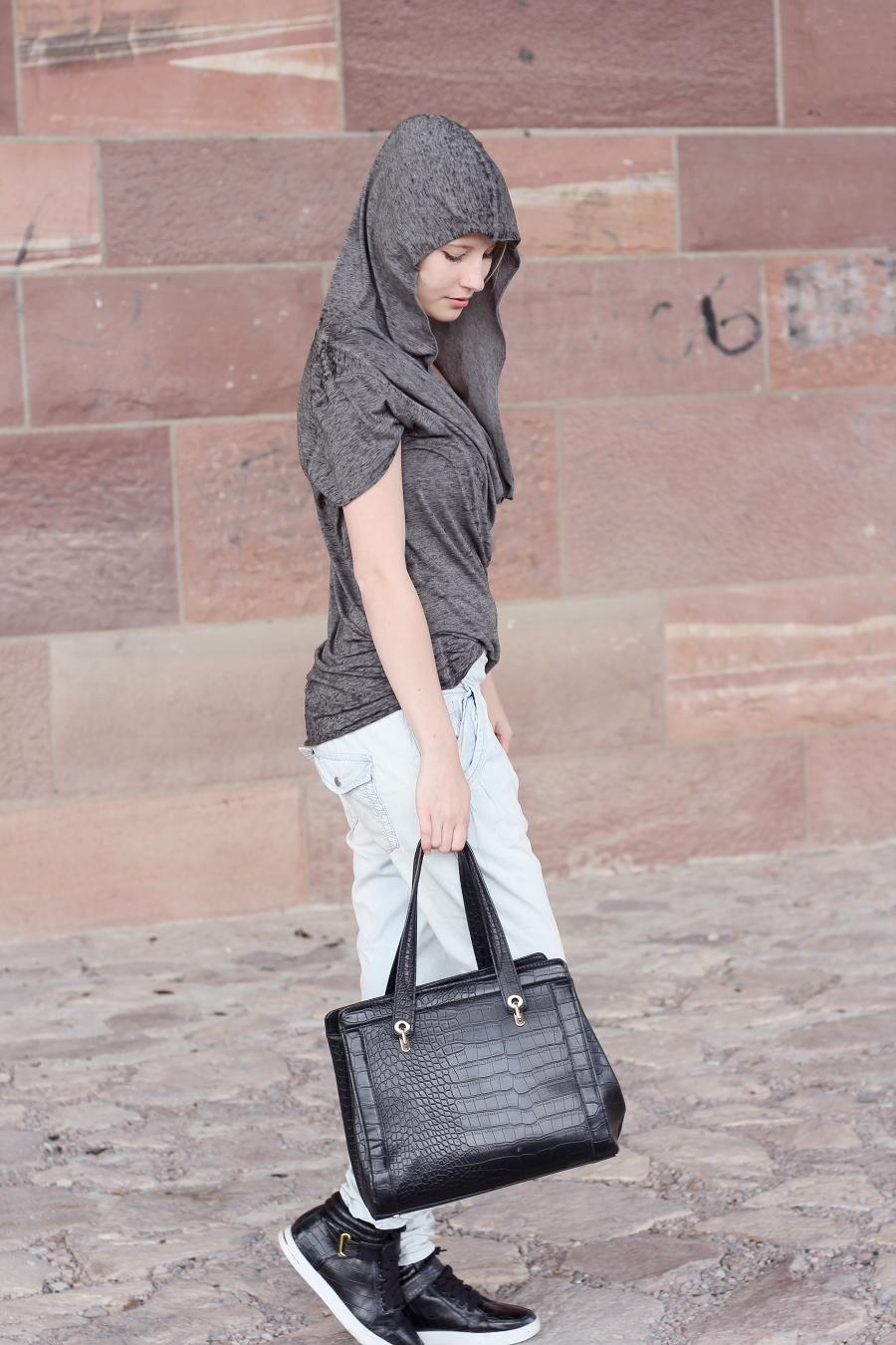 Outfit-Kapuze-chino-boyfriend