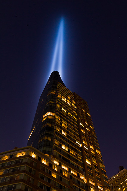 2014_Tribute_In_Light-7465