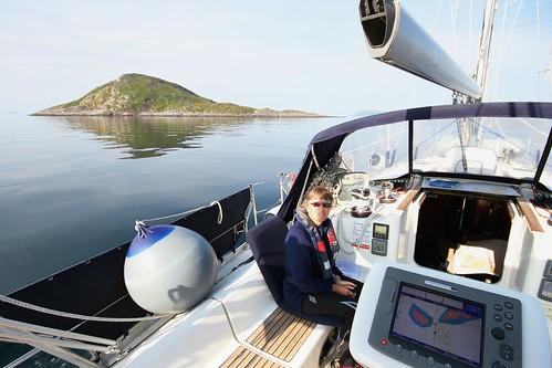 Så går vi videre mot Havøysund, store latøya til venstre
