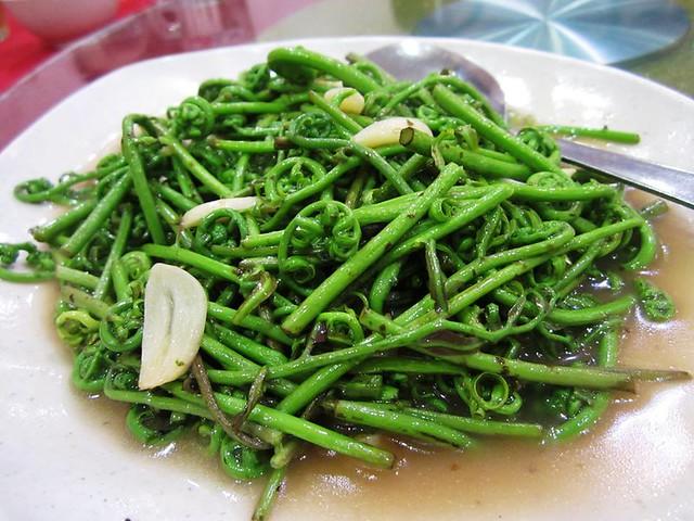 Ming Mei Shi midin with Foochow red wine