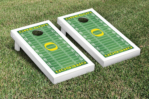 Oregon Ducks Cornhole Game Set Football Field Version