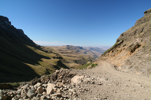 No guardrails, Sani Pass