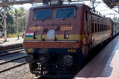 Typowa indyjska lokomotywa