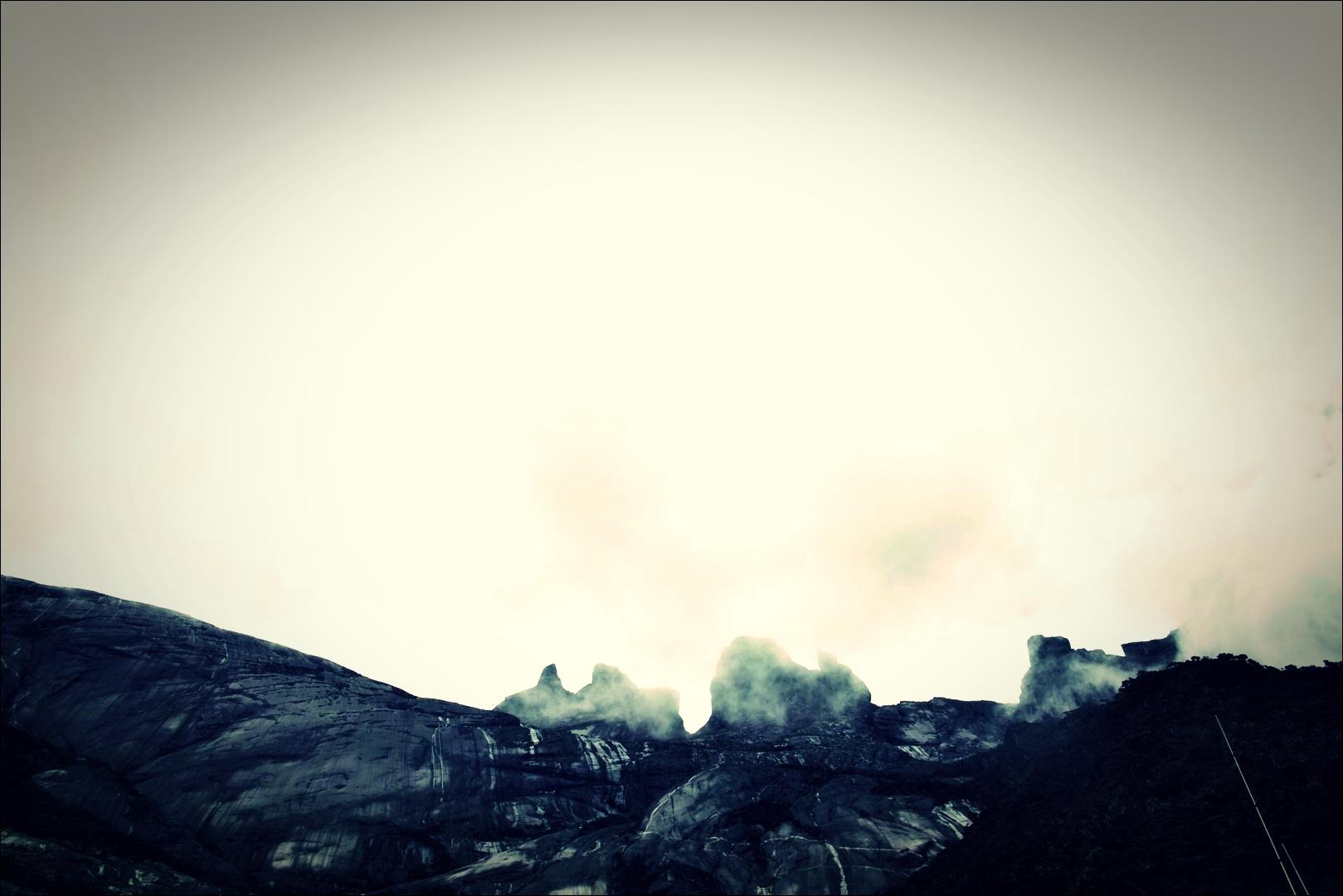 바위산-'키나발루 산 등정 Climbing mount Kinabalu Low's peak the summit'