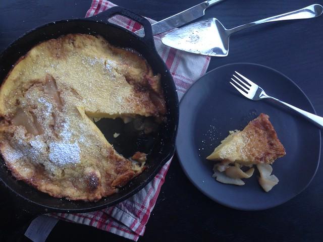 skillet-baked pear pancake on twothirtyate.com