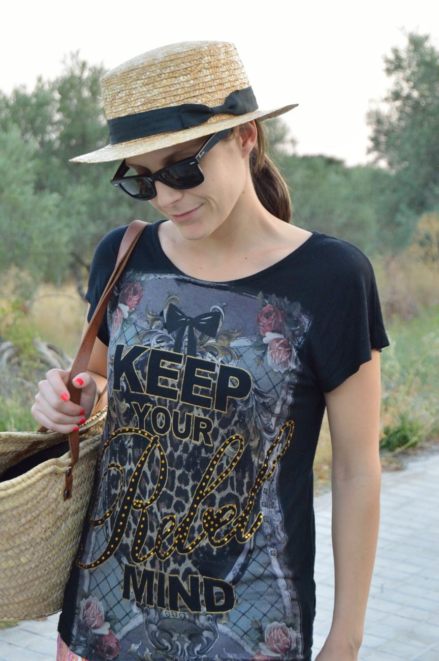 lara-vazquez-mad-lula-fashion-style-easy-chic-wearing-a-hat