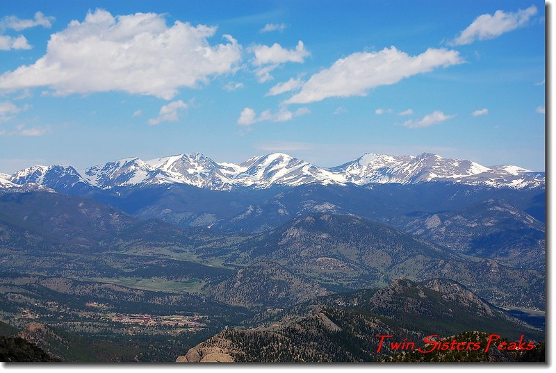Twin Sister Peaks山頂遠眺Mummy Range