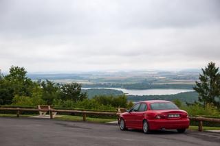 Ma Jaguar X-Type au sommet de la Butte de Montsec