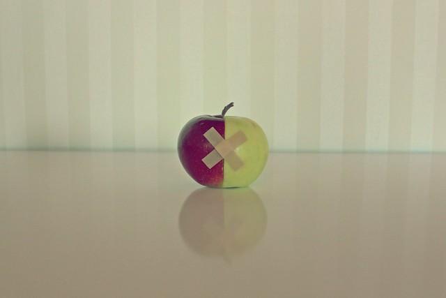 Alexandr Tikki - Apple