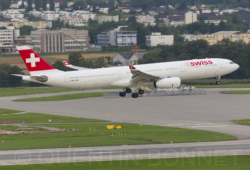 Swiss Airbus A330-343 HB-JHC