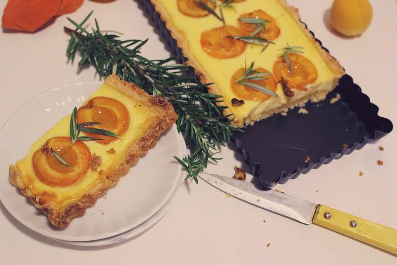ich backs mir: marillen rosmarin tarte