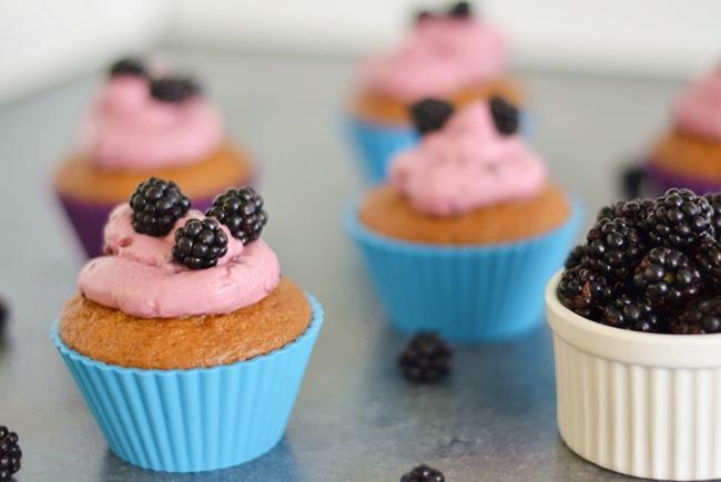 Backen mit Eugli Brombeer Cupcakes (2)
