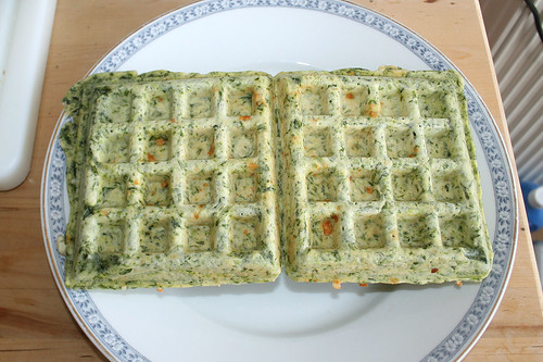46 - Waffeln entnehmen / Remove waffles