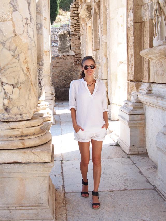 2 summer style inspiration all white ephesus travel style