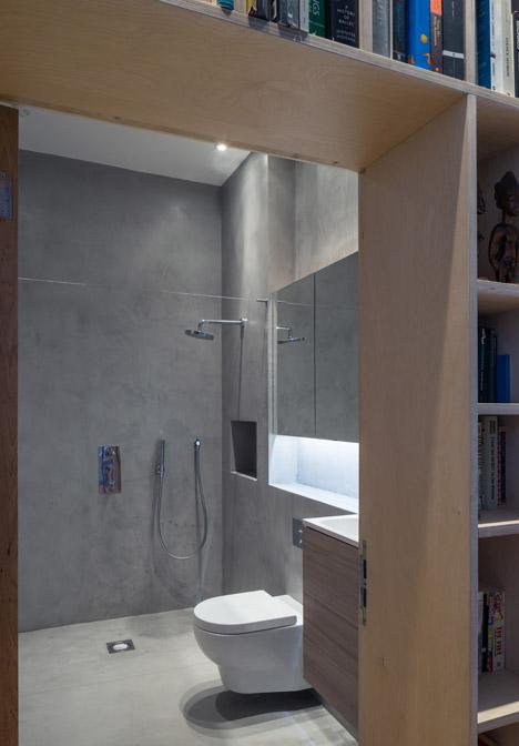 Concrete-House-by-Studio-Gil_dezeen_468_3